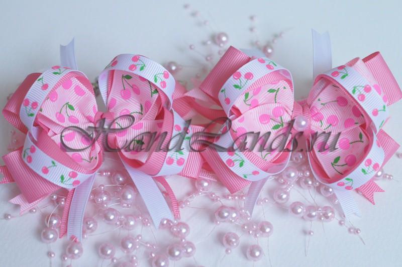 Розовые бантики